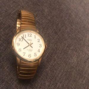 🦋 Vintage gold TIMEX watch